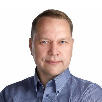 Олег Акулов